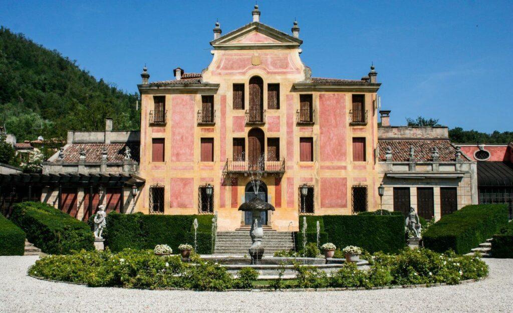 Fontana delle Rivelazioni Villa Barbarigo